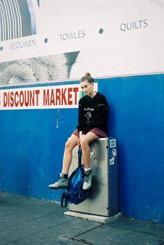 Oyster Fashion: 'School Daze' Shot by Charlie Brophy Vogue Uk, Vogue Paris, School Photography, Portrait Photography, Fashion Photography, Soft Grunge, 90s Grunge, Grunge Outfits, Photoshoot Inspiration