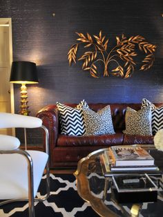 Blue and Brown Living Room Images. 20 Blue and Brown Living Room Images. 15 Brown and Blue Living Room Design Ideas to Try Blue And Gold Living Room, Burgundy Living Room, Navy Blue Living Room, Living Room Colors, My Living Room, Beige Couch Decor, Navy Couch, Red Sofa, Burgundy Couch