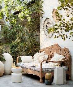 The summer is in full swing and the only thing better than eating outside can be sleeping outside. A proper outdoor daybed is what you need to create your personal relaxation oasis. Here are some outdoor daybed ideas you may like. Painting Wooden Furniture, Hanging Furniture, Best Outdoor Furniture, Plywood Furniture, Rustic Furniture, Living Room Furniture, Home Furniture, Antique Furniture, Modern Furniture