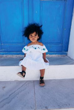 Traveling with a toddler overseas. We went to Greece with my daughter and it was great. Toddler in Santorini. Read our post about traveling with my baby to Greece. Little Girl Fashion, Toddler Fashion, Kids Fashion, Fashion Tips, Young Fashion, Fashion Games, Retro Fashion, Korean Fashion, Boho Fashion