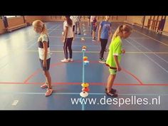 Kleurenreactie in de gymles! - YouTube Music Education Games, Elementary Physical Education, Elementary Pe, Physical Activities For Kids, Pe Activities, Rugby Training, Volleyball Training, Pe Lesson Plans, Gymnastics Skills
