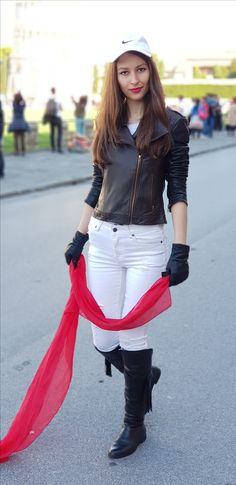 Stiletto and Red Lips - stilettoandredlips Fall Winter, Autumn, Red Lips, White Jeans, Pisa Italy, My Style, Pants, Feminine, Pretty