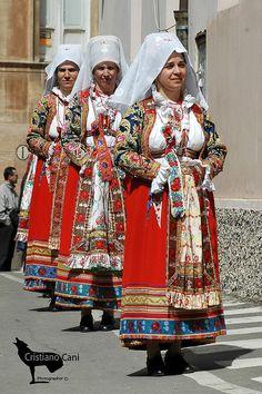 Costume di Ollolai, Sardegna Italy