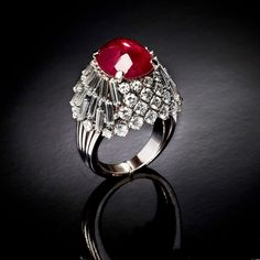 Ring set with burmese ruby and diamonds 1950s