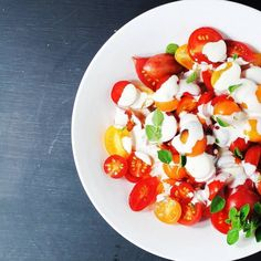 Tomato Salad with Garlic Dressing