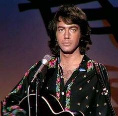 Neil Diamond Songs, Neal Diamond, Diamond Music, Diamond Girl, Diamond Picture, Concert, Famous People, Singers, Ears