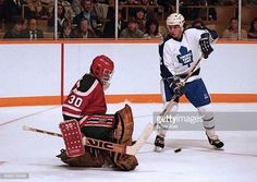 dale-mccourt-of-the-toronto-maple-leafs-looks-for-rebound-from-ron-picture-id466878998 (612×434)