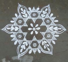 Diya Rangoli, Rangoli Kolam Designs, Indian Rangoli, Rangoli Designs With Dots, Rangoli Designs Images, Flower Rangoli, Easy Rangoli, Beautiful Rangoli Designs, New Year Rangoli