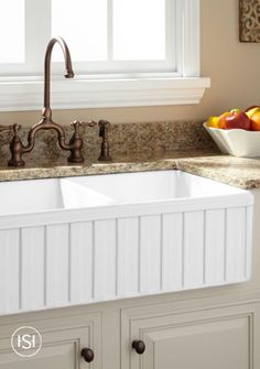 Give your kitchen a nice update with the Oldham Double-Bowl Fireclay Farmhouse Sink. An ideal fit for a busy home, this sink adds both style and practicality.