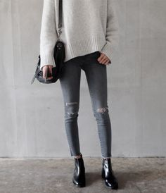 Image via We Heart It https://weheartit.com/entry/149100990/via/2659899 #asianfashion #clothes #girly #grunge #hipster #korean #style