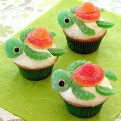 Turtle Cupcakes Party Favourite Are you looking for an adorable cupcake recipe? If so, you should make this cute turtle cupcakes!Are you looking for an adorable cupcake recipe? If so, you should make this cute turtle cupcakes! Cupcakes Bonitos, Cupcakes Decorados, Disney Cupcakes, Mermaid Cupcakes, Princess Cupcakes, Baking Recipes, Dessert Recipes, Cupcake Recipes, Baking Desserts