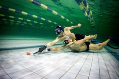 Underwater Hockey Now this is a sport I would play. Just Run, You Got This, Time Out, Hockey Players, Extreme Sports, My Passion, Underwater, Swimming, Summer