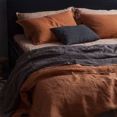 Bedroom orange - larusiPillowcases in Sand and Rust, from each; Sheets in Sand and Raw Umber, from Duvet cover in Rust, form all Larusi earthyhomedecor Small Master Bedroom, Home Bedroom, Modern Bedroom, 50s Bedroom, Quirky Bedroom, Black Bedrooms, Gothic Bedroom, Bedroom Black, Trendy Bedroom