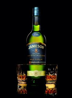 Need this in my collection. Jameson Irish Whiskey, Luck Of The Irish, Irish Recipes, Wine And Beer, Don't Judge, Distillery, Whisky, Gin, Whiskey Bottle