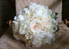 white and light pink wedding bouquets - Google-haku