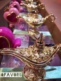 We produce Moroccan theme, Arabian Nights theme, and Bollywood theme parties. Our large inventory of authentic decorations allows us to service any size events. Festa Tema Arabian Nights, Arabian Nights Prom, Arabian Nights Theme Party, Arabian Theme, Arabian Party, Jasmin Party, Princess Jasmine Party, Princess Theme, Princess Disney
