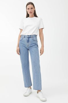 STRAIGHT Cropped Jeans - Light Blue - Jeans - ARKET GB Modest Wear, Modest Outfits, Fall Outfits, Cute Outfits, Weekday Jeans, Stitch Fix Outfits, Light Blue Jeans, Tapered Jeans, Cropped Jeans