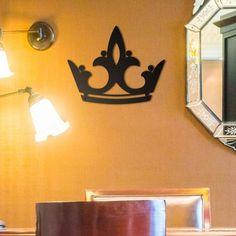Deccort | Queen Metal Tablo Wall Lights, Queen, Metal, Home Decor, Homemade Home Decor, Appliques, Show Queen, Metals, Interior Design