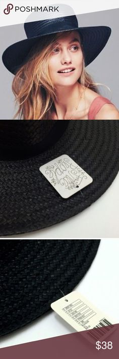 """🎉HP🎉FREE PEOPLE Sunny Day Straw Boater HAT NWT BRAND NEW WITH TAGS!! From FREE PEOPLE, Flat top straw boater hat featuring a grosgrain ribbon band and wide brim. Adjustable interior band.   * Straw * Black * Import  Measurements: Brim: 8.5""""  Circumference: 22""""   💗Host Pick: Best in Jewelry & Accessories💗 Free People Accessories Hats"""