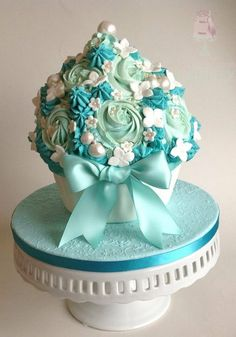 Ice Blue Giant cupcake