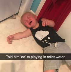 Parents do everything for their children. Funny Babies, Funny Kids, Reasons Kids Cry, Funny Things, Funny Stuff, Stupid Kids, Funny Memes, Hilarious, I Laughed