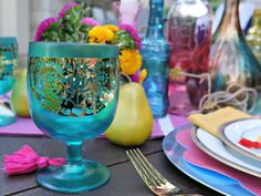How to DIY a Bohemian Gypsy Themed Party with a Cricut Gypsy Party, Hippie Party, Bohemian Cake, Bohemian Gypsy, Bohemian Party Decorations, Hanging Pom Poms, Recipe For Teens, Green Cups, Glitter Vinyl