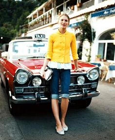 yellow jacket, long jean shorts, and red taxi. Preppy Style, Style Me, Retro Style, Morning Inspiration, Style Inspiration, Long Jean Shorts, Denim Shorts, Jacket Jeans, Fall Shorts