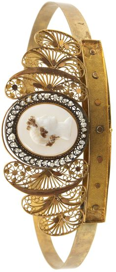 Cameo diadem with oriental pearls, 18k gold, Stockholm, c1809.