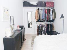 Se você sofre com problemas de falta de espaço vai adorar este post ensinando a fazer um lindo armário improvisado.