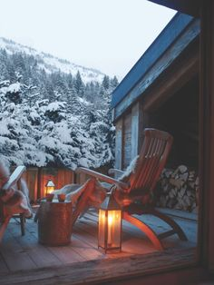Chalet Bella Coola in Verbier sleeps 10 guests over 5 en-suite bedrooms. This stunning Verbier chalet has a spa area and very sophisticated atmosphere. Ski Chalet, Chalet Style, Verbier Chalet, Alpine Chalet, Outdoor Spaces, Outdoor Living, Winter Cabin, Cozy Winter, Winter Porch