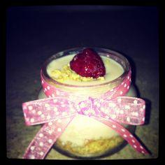 Primer postre para la fiesta de Minnie de las nenas, receta customizada de cheesecake de limon con frambuesa