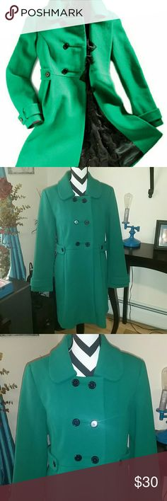 Old Navy green vintage style peacoat This coat is adorable! I bought this from another Posher, and I'm only selling it because it's a little big on me, and I bought another one in a size smaller. I think it runs pretty TTS. I'm just more of a medium in coats now. I never wore it, and I don't know if the original owner ever did, but it's in great shape! No holes or stains, just some very minor piling. Perfect color for Christmas! Fabric does not provide stretch.  NO TRADES, but I do give a…