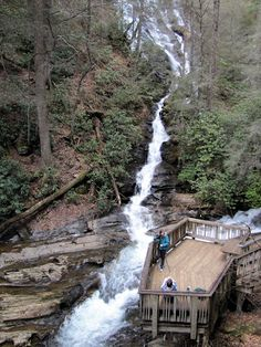 Dukes Creek is the creek in White County, Georgia on which gold was found in 1828. Either Frank Logan or one of his slaves is typically given the credit for this find. The discovery of gold in White County and neighboring Lumpkin County led to the Georgia Gold Rush. Dukes Creek is a tributary of the Chattahoochee River. Helen Georgia, Georgia Girls, Georgia Usa, Georgia On My Mind, Helen Ga, Vacation Places, Vacation Destinations, Vacation Spots, Places To Travel