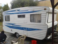1969 Viscount Ambassador E9186   Classic Caravans Retro Caravan, Caravan Ideas, Luxury Caravans, Viscount Caravan, Aluminium Cladding, Old Campers, Caravan Renovation, Vintage Caravans, Horse Stables