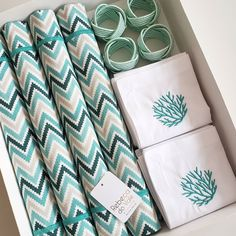 Diy Crafts For Adults, Diy Crafts To Sell, Beach Stores, Dish Towels, Table Linens, Kitchen Decor, Sewing Projects, Table Decorations, Creative