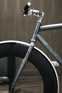I miss my Cinelli Stem on my old fixed gear. Velo Design, Bicycle Design, Cool Bicycles, Cool Bikes, Fixed Gear Bikes, Bici Retro, Bici Fixed, Bike Details, Push Bikes