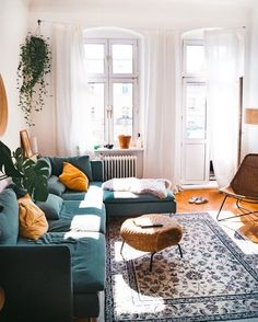 Neue Wohnung Coffee table ideas for the bohemian living room - - # bohemian # for tabl Home Living Room, Apartment Living, Living Room Designs, Living Room Decor, Living Spaces, Bedroom Decor, Hipster Apartment, Manly Living Room, Urban Apartment