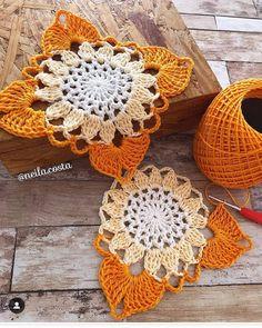 Transcendent Crochet a Solid Granny Square Ideas. Inconceivable Crochet a Solid Granny Square Ideas. Crochet Motifs, Crochet Blocks, Granny Square Crochet Pattern, Crochet Flower Patterns, Crochet Squares, Thread Crochet, Crochet Granny, Crochet Doilies, Hand Crochet