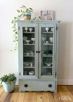 My Favorite Chalk Paint Color for Farmhouse Style Furniture Makeovers - Just a L. My Favorite Chalk Paint Color for Farmhouse Style Furniture Makeovers - Just a Little Creativity Cheap Furniture Makeover, Diy Furniture Renovation, Home Decor Furniture, Cool Furniture, Furniture Design, Furniture Ideas, Barbie Furniture, Wooden Furniture, Furniture Refinishing