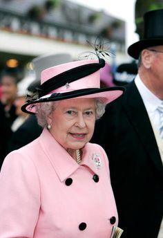 Queen Elizabeth, 2005..Uploaded by www.1stand2ndtimearound.etsy.com