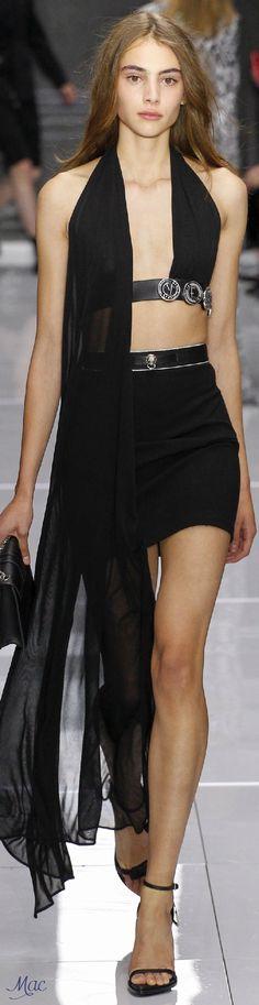 Spring 2016 Ready-to-Wear Versus Versace