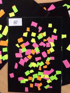 Fluo papier scheuren en op zwart papier kleven. Papier lamineren als knutselwerkje. Fluo = goed zichtbaar!