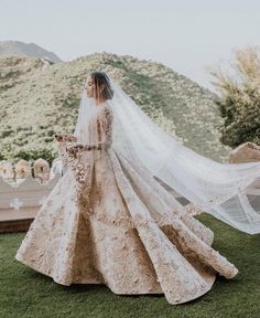 Trending Diipa Khosla's Destination Wedding In Udaipur is part of Indian wedding gowns - Fashion influencer Diipa Khosla's glamorous destination wedding in Udaipur For more such updates visit ShaadiWish com wedding planning website Indian Wedding Gowns, Indian Bridal Outfits, White Wedding Gowns, Gorgeous Wedding Dress, Bridal Dresses, Indian White Wedding Dress, Indian Bridal Lehenga, Pakistani Bridal Wear, Pakistani Wedding Dresses