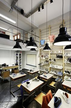 Antwerp store Shoe Supply upcycles an entire classroom