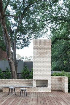 Newest Photos Fireplace Outdoor architecture Tips Opt for a fireplace design this matches size along with how big this backyard as well as home. I frequently look to the Outdoor Rooms, Outdoor Gardens, Outdoor Living, Modern Outdoor Fireplace, Outdoor Fireplaces, Outdoor Photos, Beton Design, Patio Interior, Patio Heater