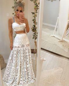 E agora a versão conjunto do nosso vestido de tela bordada que foi SUCESSO por aqui! QUE LUXO!!😱😍😍😍 Sem palavras para explicar o caimento… Cute Summer Outfits, Trendy Outfits, Cute Outfits, Summer Dresses, Beautiful Dresses, Nice Dresses, Casual Dresses, Fashion Dresses, Ibiza Fashion