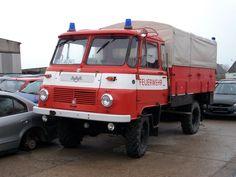 Diese ROBUR-Feuerwehr entdeckte ich am 08.Mai 2010 auf einem ... Emergency Vehicles, Fire Engine, Fire Department, Vintage Cars, Trucks, Classic, Motorbikes, Memories, Nostalgia