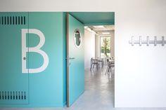 10 New Classrooms - Marcinelle,© Utku Peli & Severin Malaud New Classroom, Primary Education, Signage Design, School Architecture, Locker Storage, Sweet Home, Projects, Coat Hooks, Schools