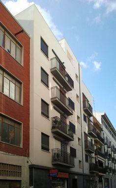 6 viviendas VPP en la calle Arolas 7-9. Valencia realizado por Ana María Gómez Robles.
