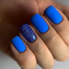 Gorgeous Short Round and Square Gel Nails: Always Leading the Fashion Trend - Fashion is an attitude. Gorgeous Nails, Pretty Nails, Square Gel Nails, Blue Gel Nails, Ten Nails, Dipped Nails, Chrome Nails, Powder Nails, Stylish Nails